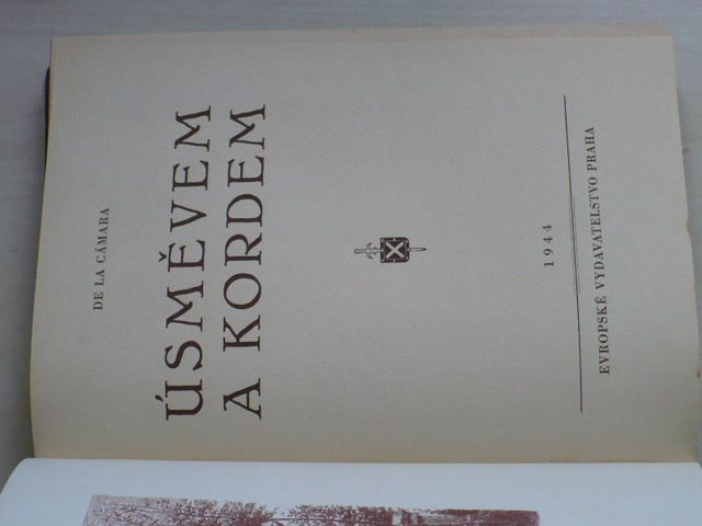 De La Cámara - Úsměvem a kordem (1944)