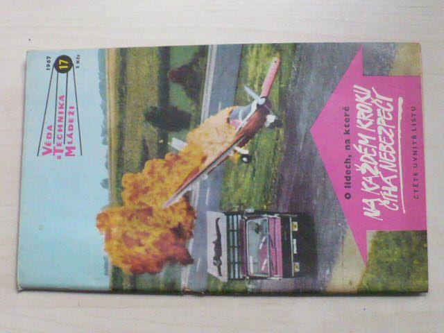 Věda a technika mládeži 17 (1967) ročník XXI.