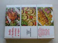 Bobiš, Rudohradská - Jedlá z hydiny, zveriny a vajec (1984) slovensky - Kniha obsahuje niekoľko sto receptov na prípravu polievok a hlavných jedál z kurčiat, sliepok, moriek, kačíc,husí a zveriny, rozmanité jedlá zo sviežich i sušených vajec