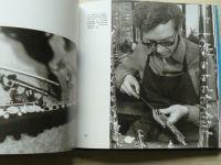 Jiránek, Hejzlar - Světem hudebních nástrojů (1979) o jejich vzniku a výrobě