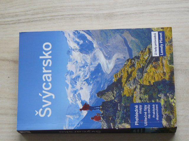 Švýcarsko z řady průvodců Lonely Planet (2013)