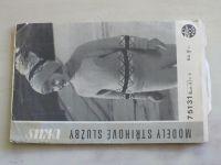 Vkus 75131 - Pletená dětská souprava zdobená výšivkou: svetřík, kalhoty a čepička (nedatováno)