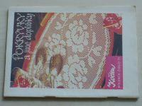 Květen - Ateliér pro služby ženám - Kolekce 77 - Pokrývky a jiné doplňky (nedatováno)